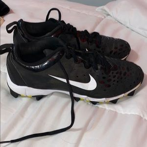 Nike softball shoes